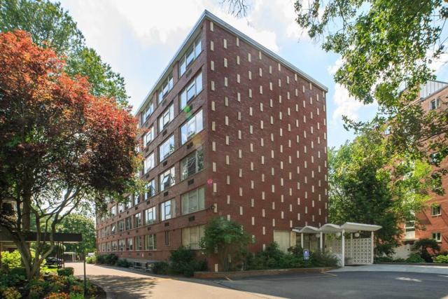 2 Hammond Pond Parkway #305, Newton, MA 02467 (MLS #72415421) :: Mission Realty Advisors