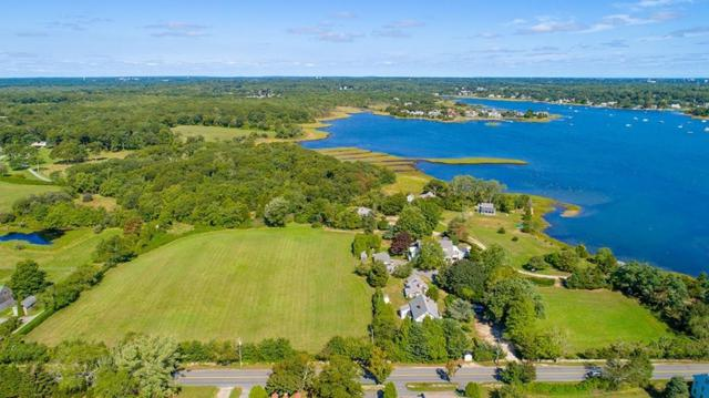 153 Gulf Rd, Dartmouth, MA 02748 (MLS #72425506) :: Westcott Properties