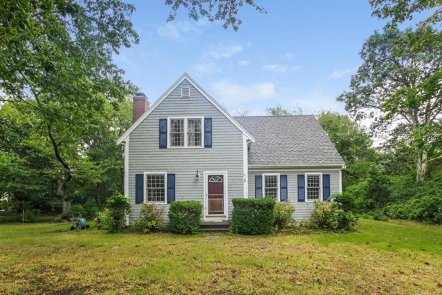 90 Uncle Barneys Rd, Dennis, MA 02670 (MLS #72425590) :: Apple Country Team of Keller Williams Realty