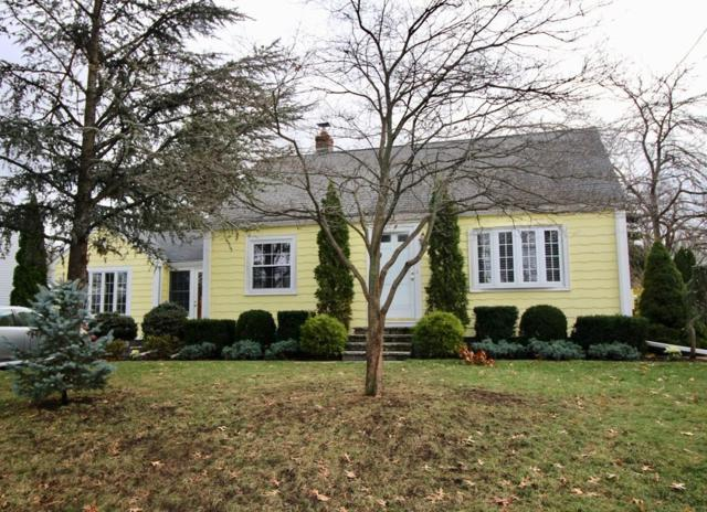 14 Mount Hood Terrace, Melrose, MA 02176 (MLS #72428284) :: COSMOPOLITAN Real Estate Inc