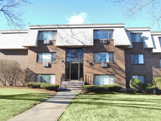 12 Hallmark Gardens #10, Burlington, MA 01803 (MLS #72430446) :: EdVantage Home Group