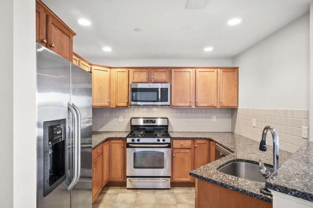 120 Wyllis Ave #404, Everett, MA 02149 (MLS #72430504) :: COSMOPOLITAN Real Estate Inc