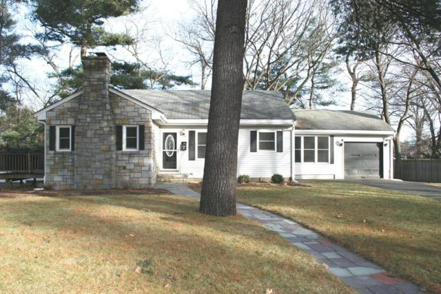 4 Locksley Rd, Lynnfield, MA 01940 (MLS #72436387) :: EdVantage Home Group