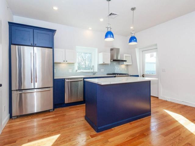 12 Grand View Avenue #3, Somerville, MA 02143 (MLS #72454038) :: AdoEma Realty