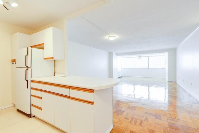 8 Whittier Place 22B, Boston, MA 02114 (MLS #72465410) :: Westcott Properties