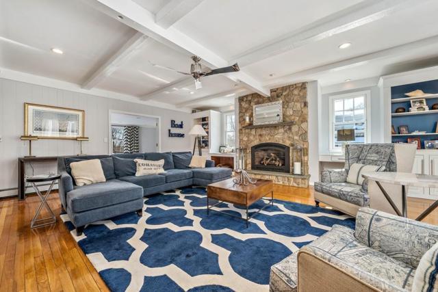 40 Hill St, Cohasset, MA 02025 (MLS #72465529) :: Westcott Properties