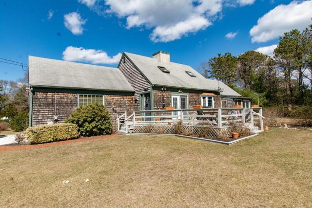 18 Red Brook Rd, Falmouth, MA 02536 (MLS #72477237) :: Apple Country Team of Keller Williams Realty