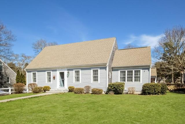 11 Joshua  Lane, Falmouth, MA 02536 (MLS #72477363) :: Apple Country Team of Keller Williams Realty
