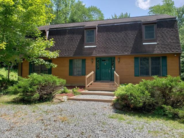 39 Spruce Dr, Becket, MA 01223 (MLS #72484518) :: Apple Country Team of Keller Williams Realty