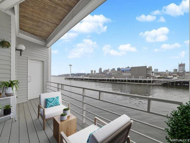 29 Constellation Wharf #29, Boston, MA 02129 (MLS #72487964) :: Charlesgate Realty Group