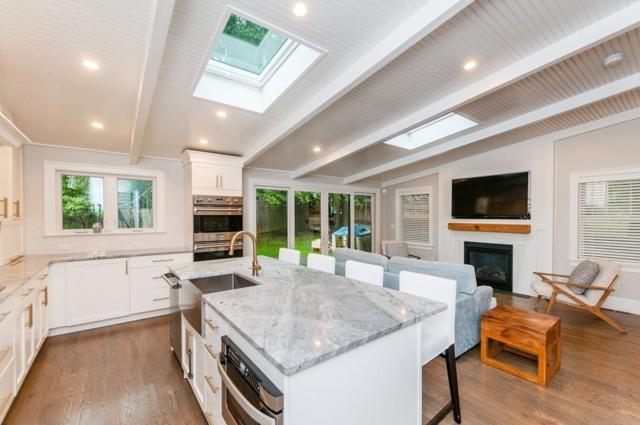 216 Quinobequin Rd #216, Newton, MA 02468 (MLS #72492413) :: Welchman Real Estate Group | Keller Williams Luxury International Division
