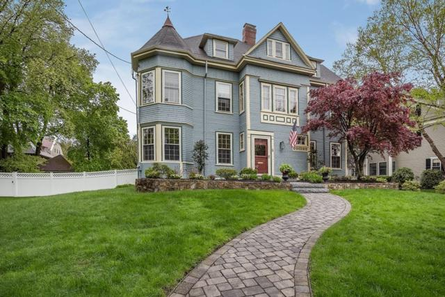6 Cabot Street, Winchester, MA 01890 (MLS #72499652) :: Apple Country Team of Keller Williams Realty