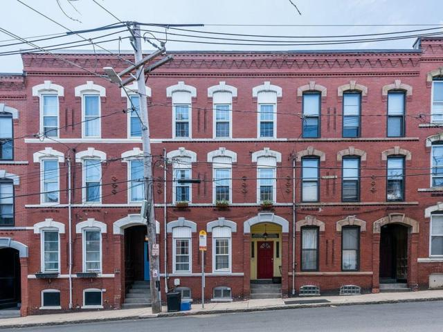 60 Beacon St #1, Chelsea, MA 02150 (MLS #72500155) :: DNA Realty Group