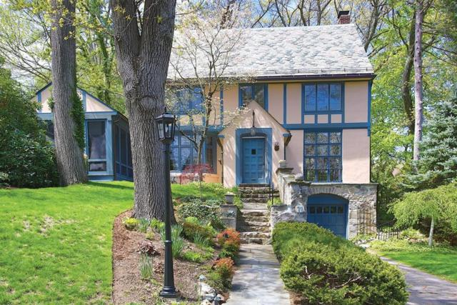 11 Holly Rd, Newton, MA 02468 (MLS #72500358) :: Welchman Real Estate Group | Keller Williams Luxury International Division