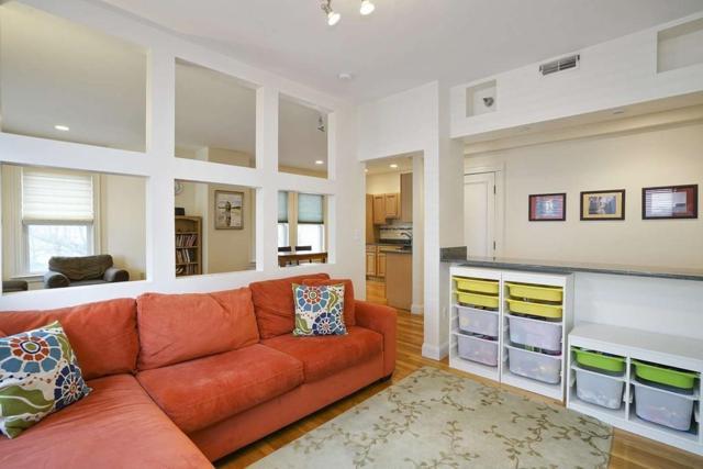 4 Putnam St #2, Somerville, MA 02143 (MLS #72500364) :: Welchman Real Estate Group   Keller Williams Luxury International Division