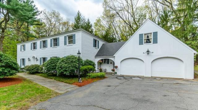 27 Coachmans Ln, North Andover, MA 01845 (MLS #72502530) :: Exit Realty
