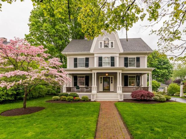 25 Oxford St, Winchester, MA 01890 (MLS #72504111) :: Apple Country Team of Keller Williams Realty