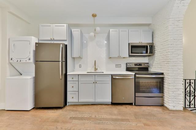 40 Fleet St #2, Boston, MA 02109 (MLS #72504637) :: Welchman Real Estate Group | Keller Williams Luxury International Division