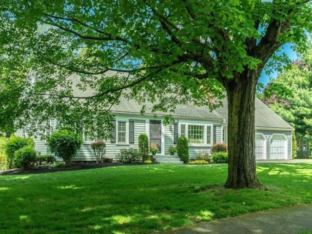 6 New Meadow Road, Lynnfield, MA 01940 (MLS #72512024) :: Kinlin Grover Real Estate