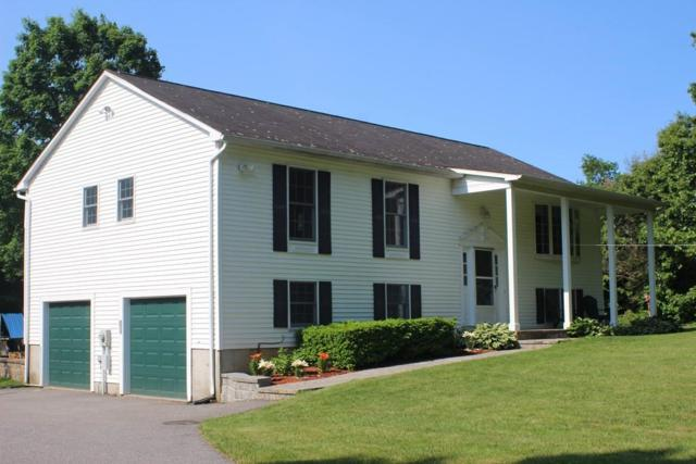 4 Carriage Hill Ln, Hudson, MA 01749 (MLS #72514588) :: The Muncey Group