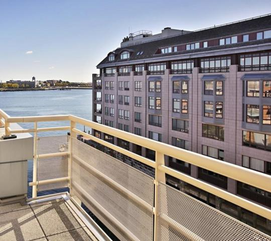 4 Battery Wharf #4507, Boston, MA 02109 (MLS #72519261) :: Driggin Realty Group