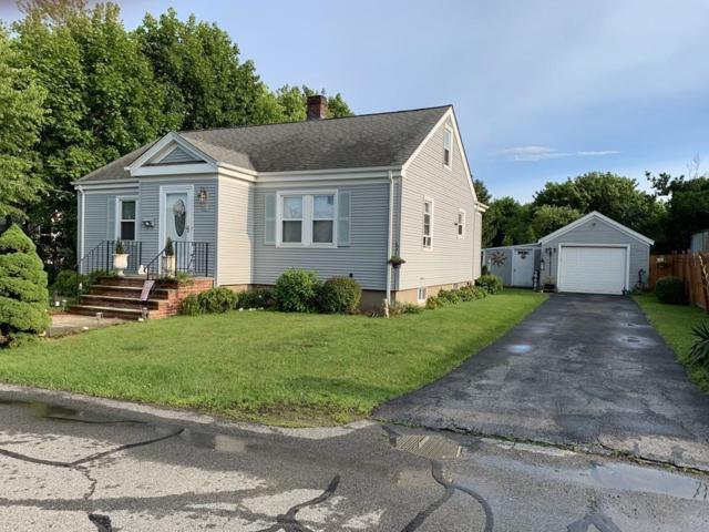 21 Oakwood Rd, Middletown, RI 02842 (MLS #72523764) :: Welchman Torrey Real Estate Group
