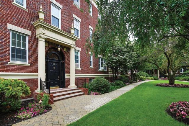 65 Babcock St #4, Brookline, MA 02446 (MLS #72526508) :: Trust Realty One