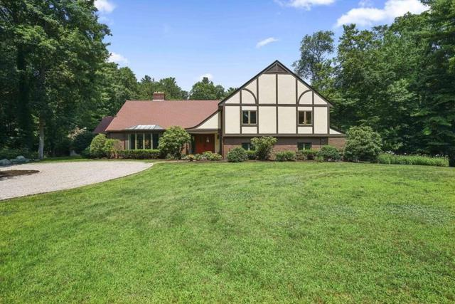 10 Woods Rd, Norwell, MA 02061 (MLS #72531869) :: Apple Country Team of Keller Williams Realty