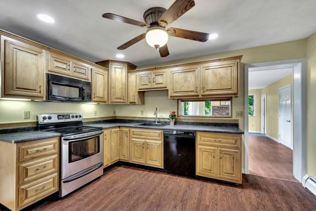 62 Bay State Rd, Tewksbury, MA 01876 (MLS #72534850) :: The Gillach Group