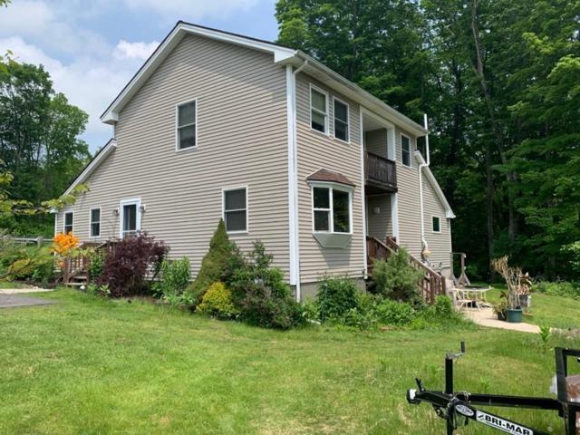 989 Mohawk Trail, Shelburne, MA 01370 (MLS #72535336) :: Spectrum Real Estate Consultants