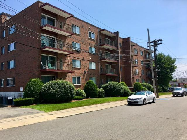 10 Foster St #401, Wakefield, MA 01880 (MLS #72547037) :: The Muncey Group