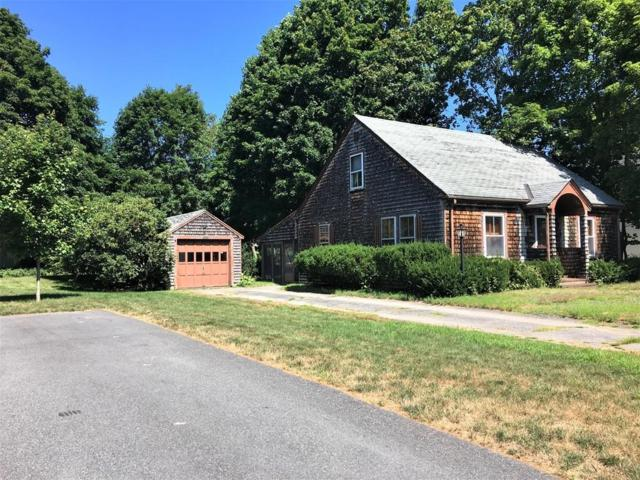 4 Metacomet St, Medfield, MA 02052 (MLS #72548473) :: Trust Realty One