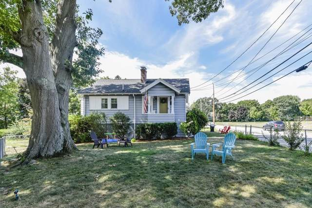 44 Madison Street, Dedham, MA 02026 (MLS #72555460) :: The Muncey Group
