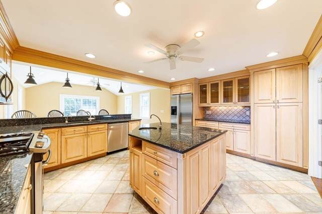 324 Nottingham Dr, Barnstable, MA 02632 (MLS #72561399) :: Exit Realty