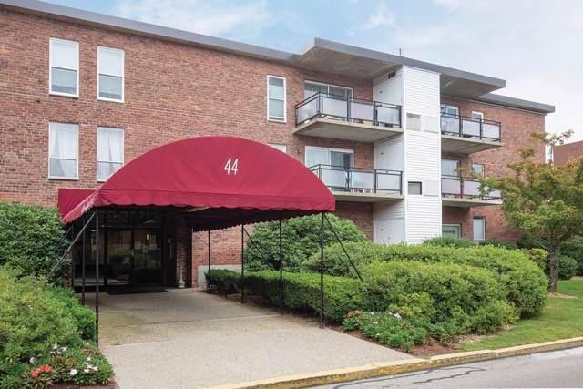 44 Broadlawn Park 22B, Boston, MA 02467 (MLS #72564519) :: The Muncey Group