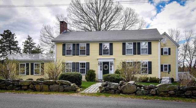 25 Strawberry Hill St, Dover, MA 02030 (MLS #72567470) :: Spectrum Real Estate Consultants