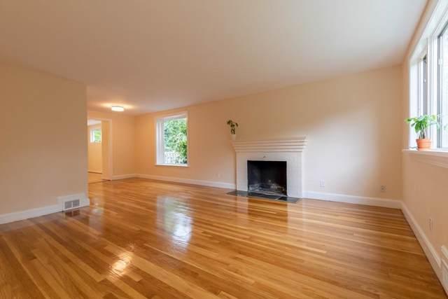 89 Wellesley Avenue, Wellesley, MA 02482 (MLS #72578025) :: The Gillach Group