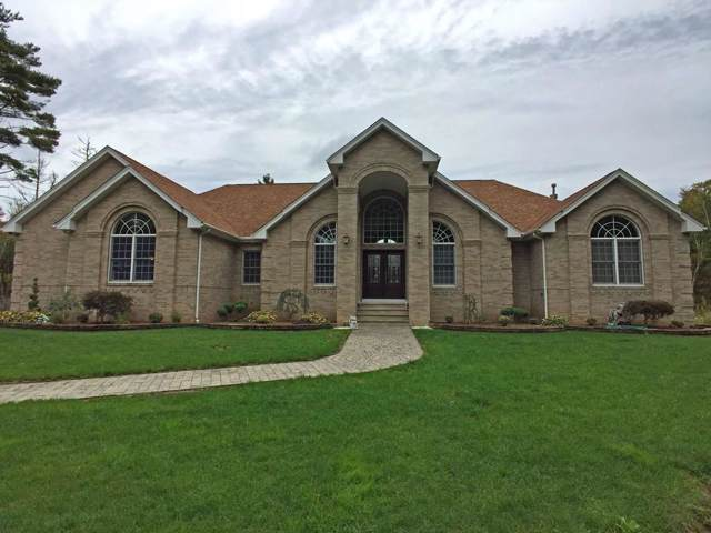 12 Gabriala Ln, Westport, MA 02790 (MLS #72578077) :: Welchman Torrey Real Estate Group