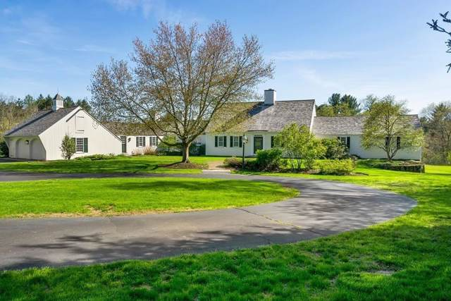 2 West Hollow, Andover, MA 01810 (MLS #72582170) :: Kinlin Grover Real Estate