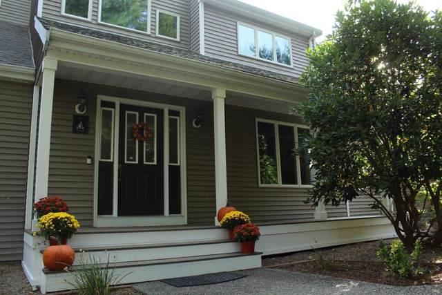 2 Medeiros Lane, Dartmouth, MA 02747 (MLS #72582538) :: revolv