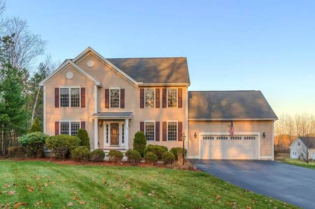 137 Old Ferry Rd, Methuen, MA 01844 (MLS #72593269) :: Compass