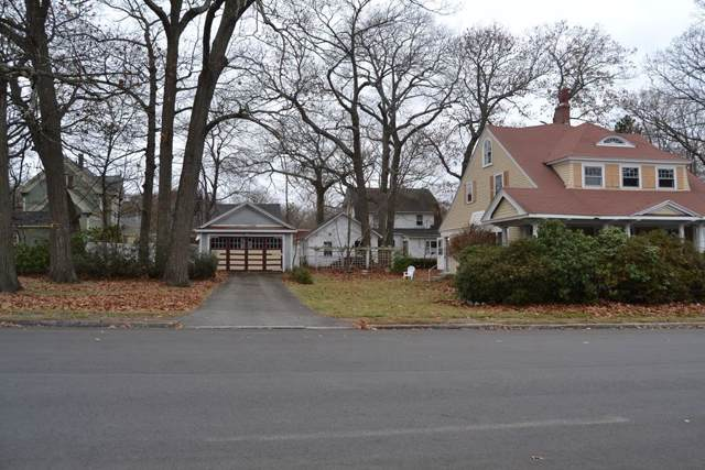 31 Parkview Ave, Lowell, MA 01852 (MLS #72593378) :: Spectrum Real Estate Consultants