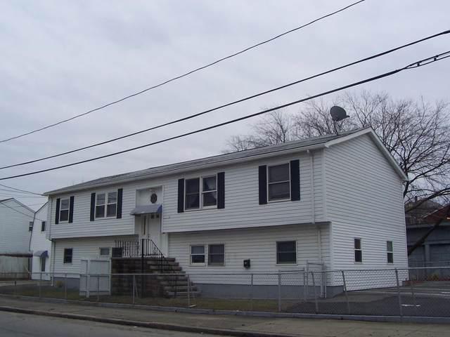 851 Charles St #1, Fall River, MA 02724 (MLS #72593769) :: RE/MAX Vantage