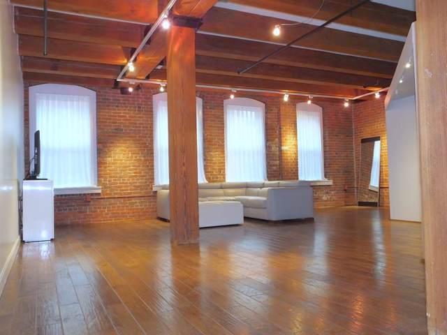 33 Sleeper St #409, Boston, MA 02210 (MLS #72598892) :: Westcott Properties