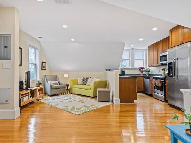 67 Walter St #3, Boston, MA 02131 (MLS #72599686) :: The Muncey Group