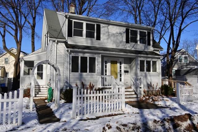 154 Lynde Street, Melrose, MA 02176 (MLS #72599688) :: Berkshire Hathaway HomeServices Warren Residential