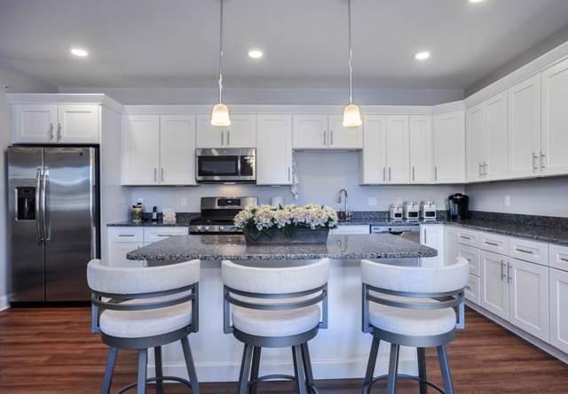 4 Longwood Lane Flat-209, Hanover, MA 02339 (MLS #72600316) :: Berkshire Hathaway HomeServices Warren Residential