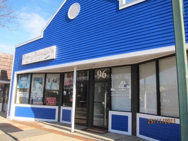 94 Rolfe Sq, Cranston, RI 02910 (MLS #72608140) :: Driggin Realty Group