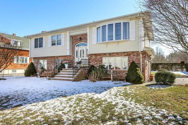 319 Middleboro Ave, Taunton, MA 02718 (MLS #72618716) :: Trust Realty One