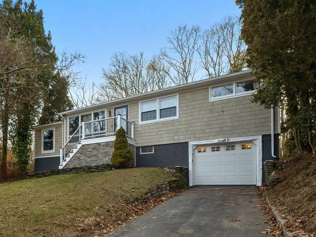 35 Campion Ave, Tiverton, RI 02878 (MLS #72619402) :: Welchman Real Estate Group